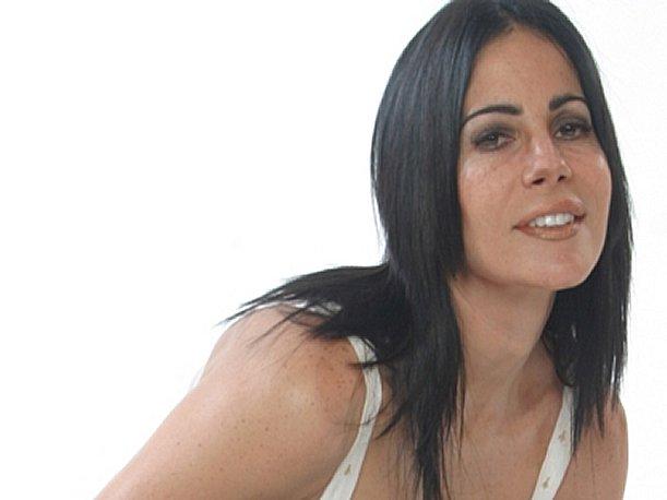 """Karina Calmet: """"Estoy feliz de que Al Fondo Hay Sitio siga hasta el 2013"""""""