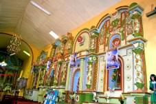 La iglesia tomada desde su interior de día