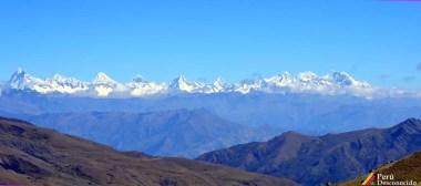 Vista panorámica de la Cordillera Blanca, visto desde el Capac Ñan.