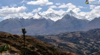 Hermosa vista de la Cordillera Blanca desde las alturas de Santa Cruz