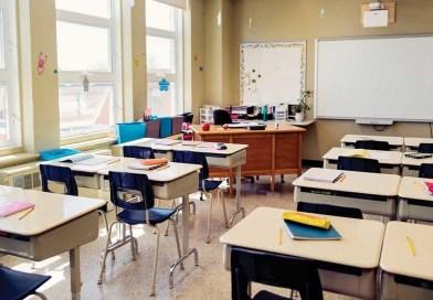 Di Sekolah dan Kantor (4)