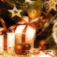 Abrazos navideños por Rubén Bustos