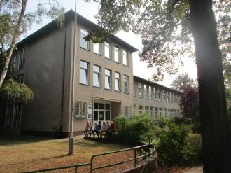 2016-09-08-pestalozzischule-haupteingang-2