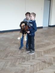 Puppenspieler bei der Aufführung