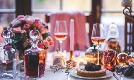 How to Pick Wine That Will Work with Christmas Lunch