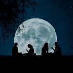 על הקשר שבין מיעוט הירח ועבודה לשמה לבין שירה של פיירוז אנחנו והירח שכנים