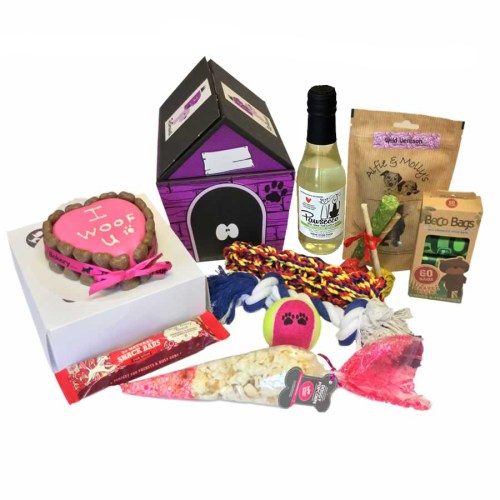 I Woof You Cake & Pawsseco hamper for dogs