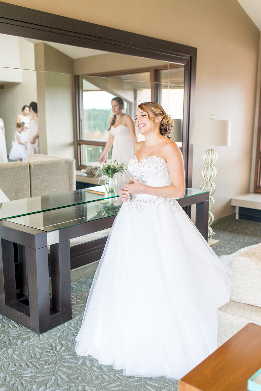 bride getting ready in chubb hotel lobby