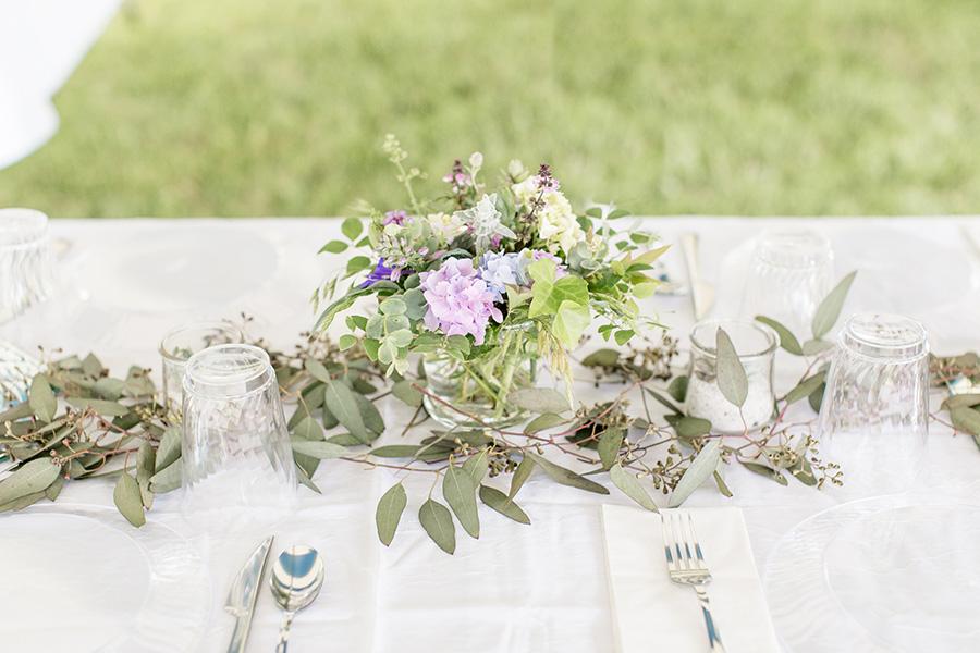 diy backyard wedding centerpiece