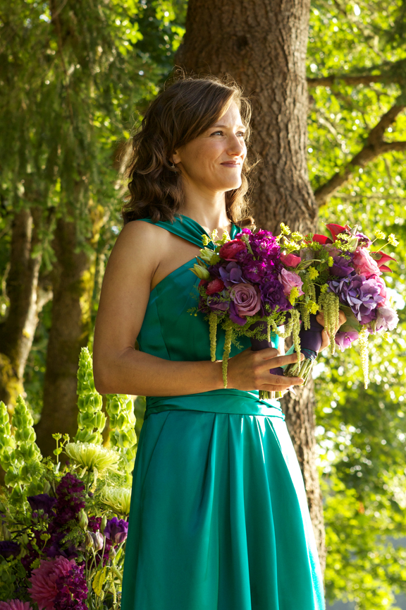 picture of bridesmaid with her hands full