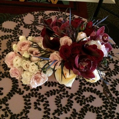 champagne wedding flowers