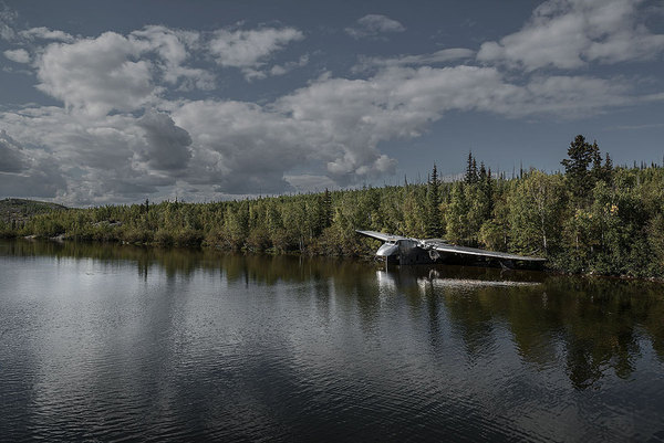 Photographer Travels the World Taking Pictures of Abandoned Airplane Wrecks airplane9