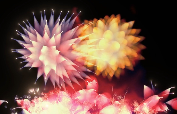 Video: Making Creative Use of Focus to Capture Ethereal Firework Footage bokehfireworks1