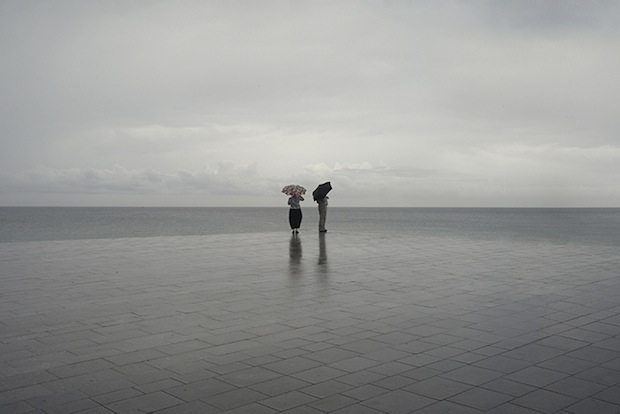 Minimalist Photos of Overcast Sunrises Over the Barcelona Sea grey1