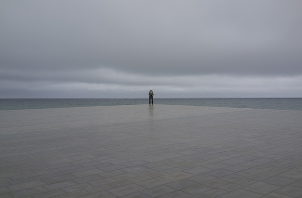 Minimalist Photos of Overcast Sunrises Over the Barcelona Sea grey2