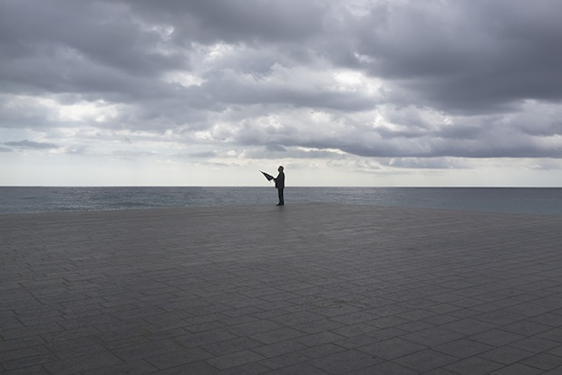 Minimalist Photos of Overcast Sunrises Over the Barcelona Sea grey6