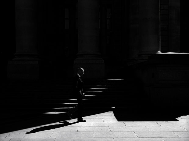 Photographer Uses Light and Shadows to Frame Human Forms in the City manonearth 12