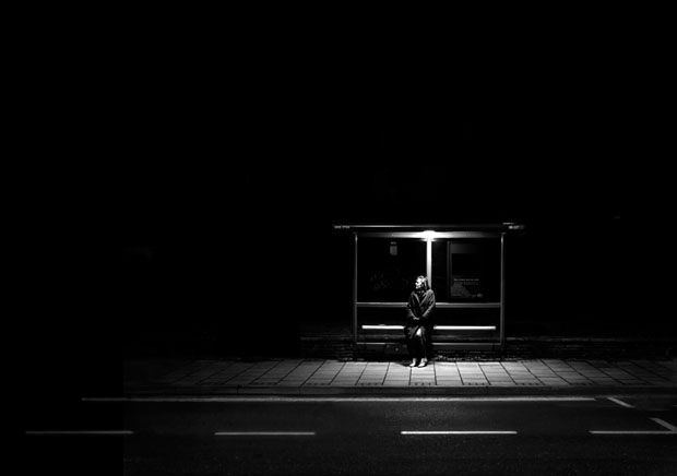 Photographer Uses Light and Shadows to Frame Human Forms in the City manonearth 14