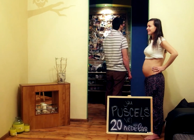 Nine Months in Two Minutes: A Creative Stop Motion Pregnancy Time Lapse preg2