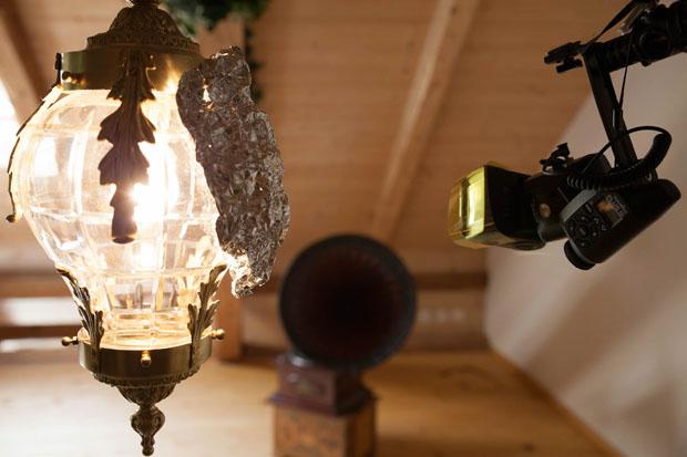 Tutorial: Creating a Surreal, Conceptual Photo Using Zone Lighting 2 mimic lamp light