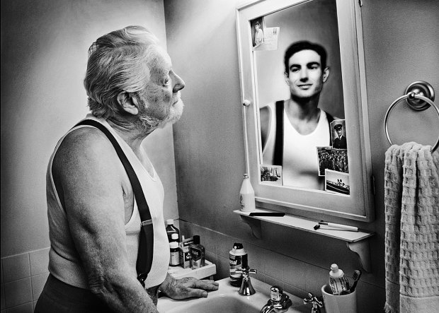 Reflections: Portraits of the Elderly Seeing Their Younger Selves 274 620x443