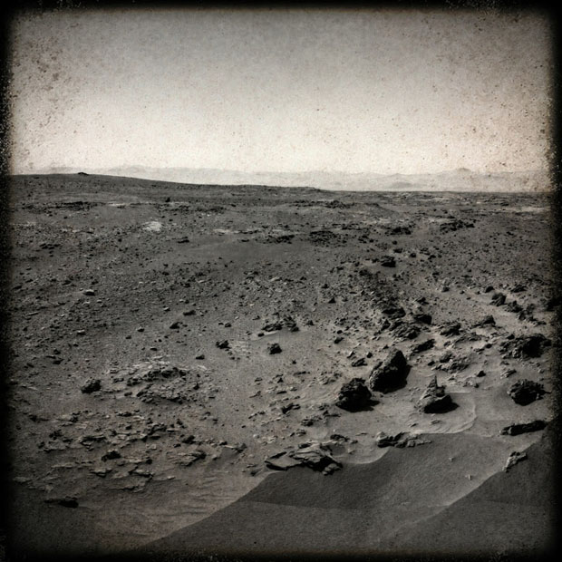 What Mars Would Look Like if Captured Using Instagram or Hipstamatic 696569main pia16227 full full 2 20130410142549472