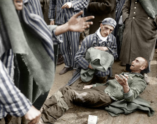 Colorizing Photoshoppers Put a New Spin on Old Historical Photos 9UU9uYp