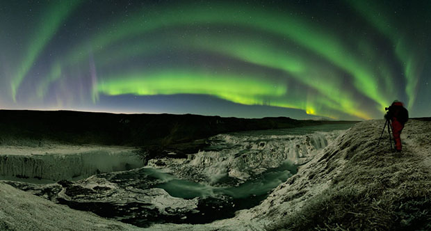 Beautiful Photos of Auroras Shimmering Over Iceland by Stéphane Vetter aurora0