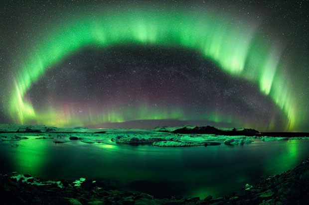 Beautiful Photos of Auroras Shimmering Over Iceland by Stéphane Vetter auroraphoto 18