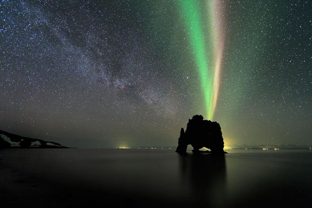 Beautiful Photos of Auroras Shimmering Over Iceland by Stéphane Vetter auroraphoto 4