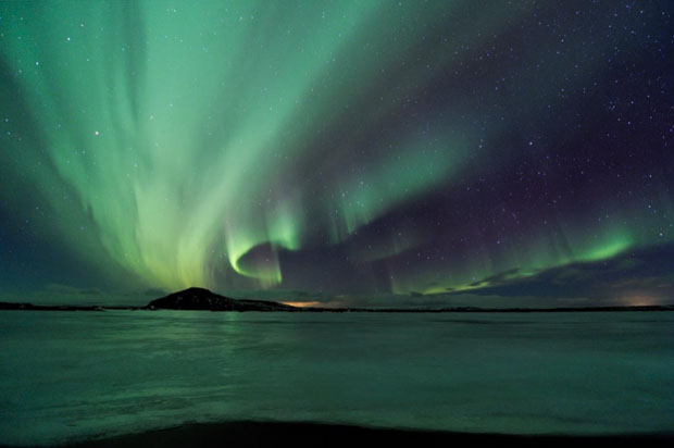 Beautiful Photos of Auroras Shimmering Over Iceland by Stéphane Vetter auroraphoto 5