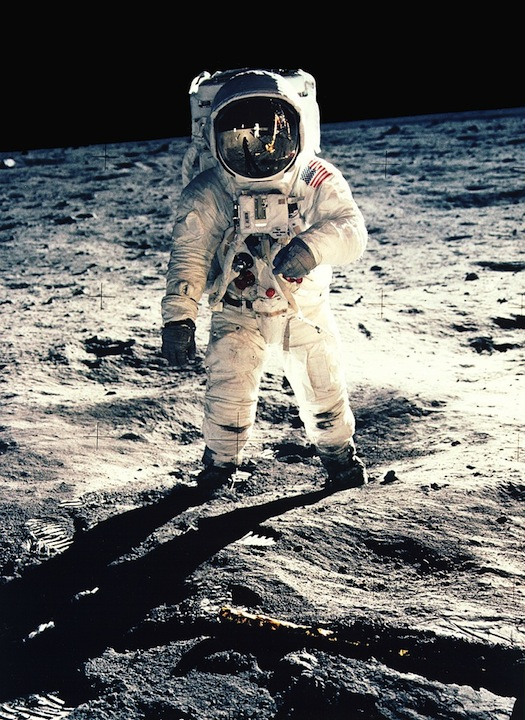 New Algorithm Can Pick Out Photo Fakes by Looking at Shadows buzzaldrin