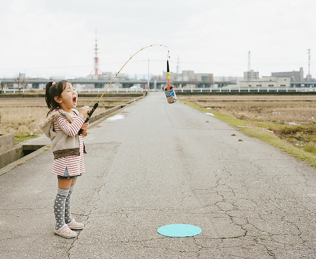 A Japanese Dads Imaginative Conceptual Portraits of His 4 Year Old Daughter daughter11