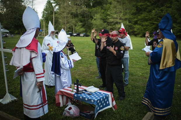 A Candid Look Inside the Secretive World of the Ku Klux Klan kkk10