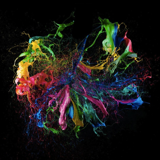 Liquid Jewels: Photos of Paint Covered Balloons Milliseconds After They Pop liquidjewels3