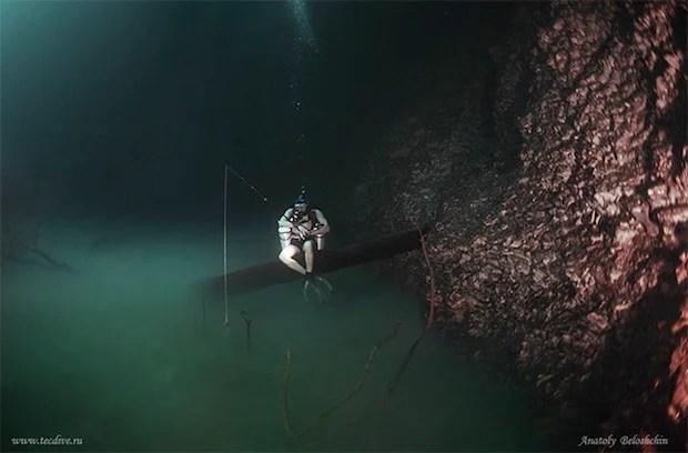 Mesmerizing Photos of Cenote Angelita, an Underwater River underwaterriver2