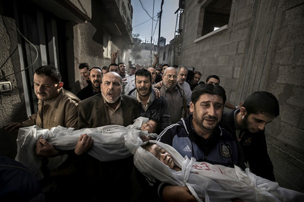 World Press Photo of the Year 2012. Photo by Paul Hansen.