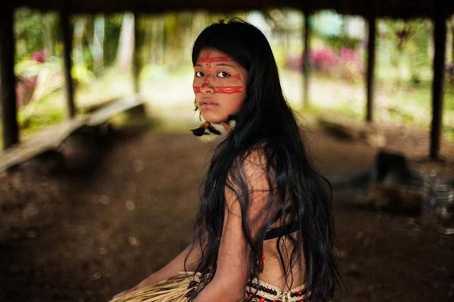 Kichwa femeie în pădurile tropicale amazoniene