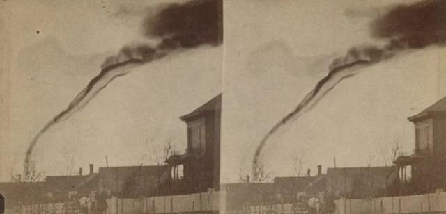 foto tornado pertama