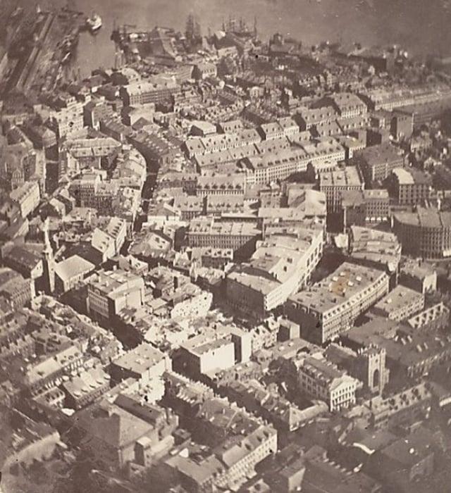 foto udara pertama
