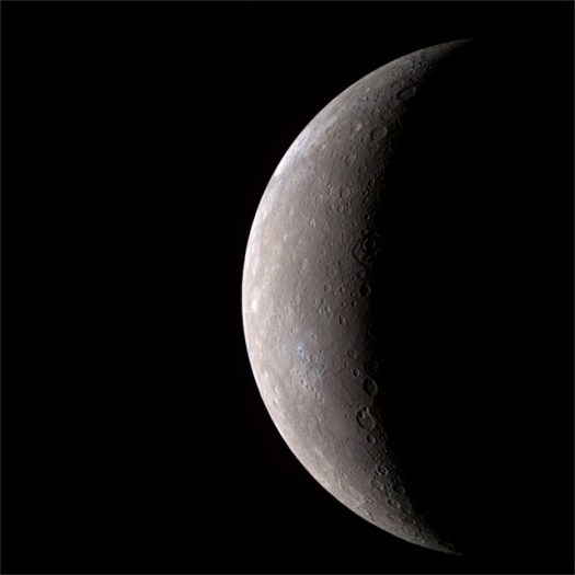 The first high-resolution photo of Mercury transmitted by MESSENGER.
