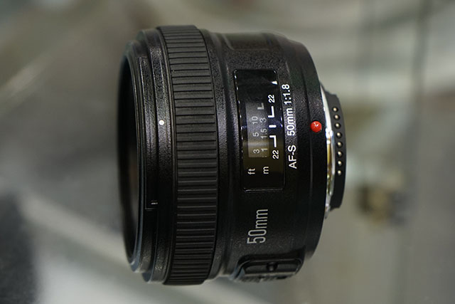 Yongnuo-AF-S-50mm-f1.8-lens-for-Nikon-F-mount-4