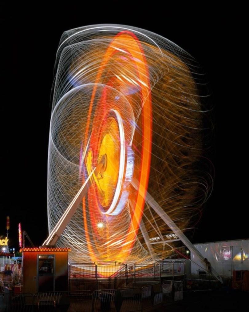 852 08 Vail EvolutionWEB20000 640x800 - Fotos sensacionais tiradas em parque de diversões utilizando longa exposição