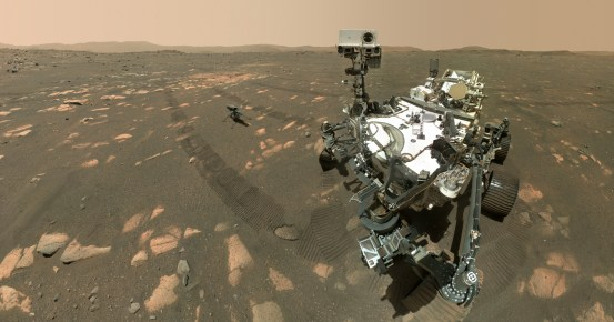 NASA's Rover Perseverance Mars takes a selfie with the ingenuity of a drone