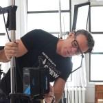 Come scattare foto professionali alla testa con luce naturale e continua
