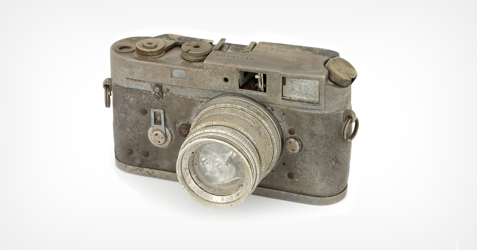 Leica M4 bruciata e inutilizzabile venduta all'asta per oltre $ 2.000