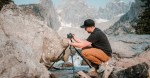 I treppiedi e le teste Slik sono perfetti per le avventure fotografiche all'aperto