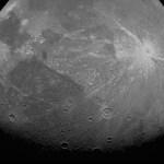 Juno della NASA cattura foto ravvicinate della luna di Giove, Ganimede