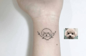 tatuagem de cachorro delicada poodle