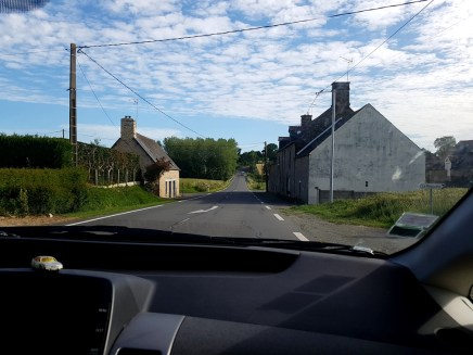 วิวของหมู่บ้านเล็กๆสวยๆระหว่างทาง